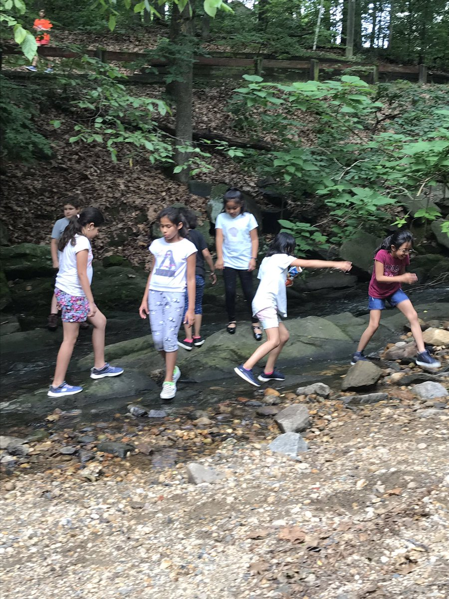 3rd graders explore Lubber Run during our third grade picnic. <a target='_blank' href='http://search.twitter.com/search?q=KWBpride'><a target='_blank' href='https://twitter.com/hashtag/KWBpride?src=hash'>#KWBpride</a></a> <a target='_blank' href='https://t.co/PWxG1jLXbR'>https://t.co/PWxG1jLXbR</a>