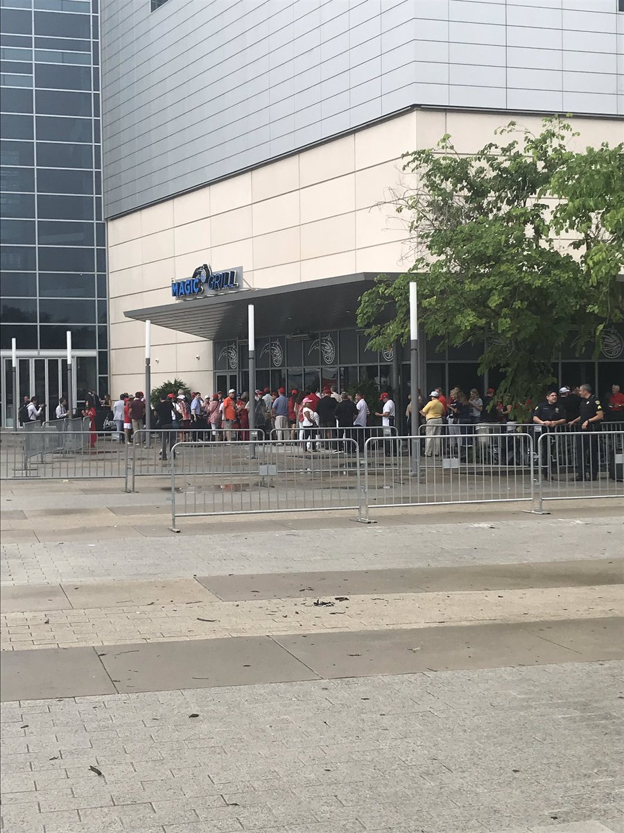 Some people are gathering in line outside @AmwayCenter. #TrumpRally #trump #TrumpRallyOrlando @ActionNewsJax @WOKVNews