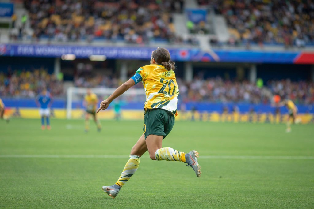 Firstly, I'm delighted with the win and Marta carving her name deeper into #FWWC history.🇧🇷❤️Secondly, no I don't like Australia (I don't hate them, I just don't like them don't @ me.) but KUDOS to @samkerr1 for silencing her haters with 4 outstanding goals 👏🏽 #respect