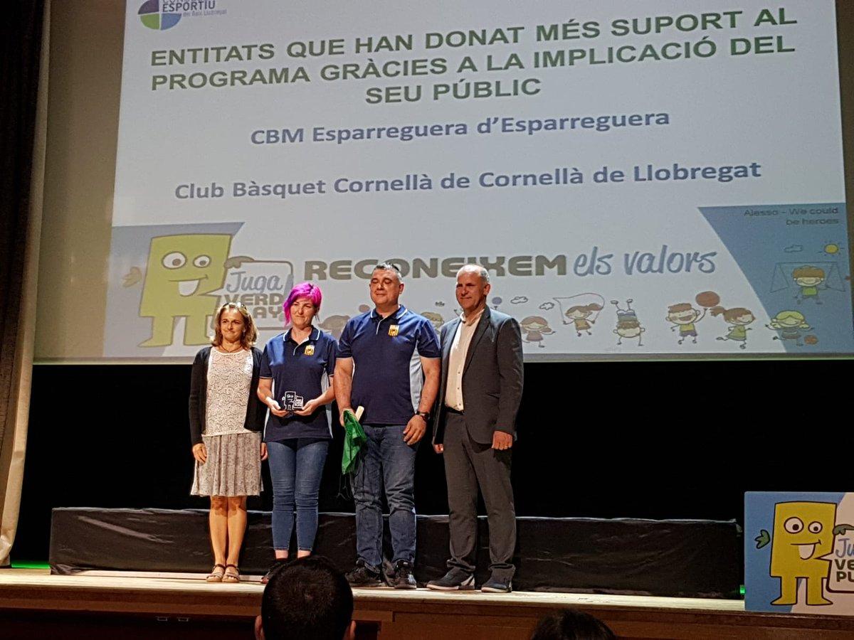 Acte de #Reconeixement als #Valors  Premiats per @cebllob com a #Entitat El nostre #President @Cesarcarreracas i  #Presidenta @Veronic11972640 ens han representat :)   @EsparregueraFM #nosominvisibles