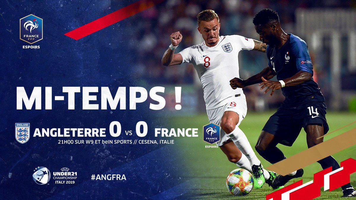Fin de la 1ère période ! Le gardien Anglais a arrêté un penalty et a sorti une belle parade. Il faudra tout donner en 2ème mi-temps 💪 #EuroEspoirs #ANGFRA 🏴🇫🇷
