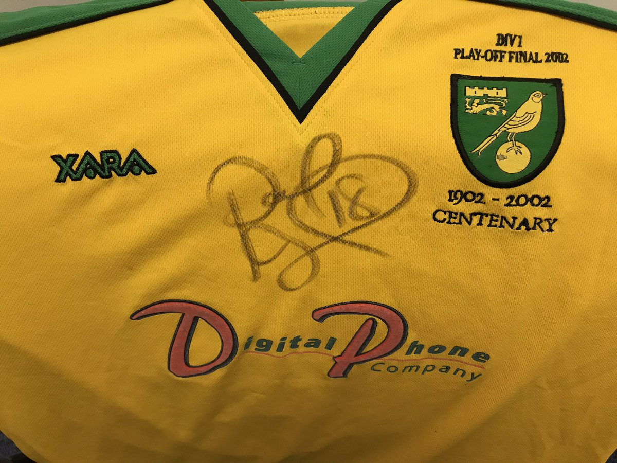 🚨COMPETITION O'CLOCK! 🚨 Celebrating #NCFC's return to the Premier League, I'm giving away this very special 2002 play-off final shirt, worn & signed by @Paulmcveigh77! 🔰 To enter: RT + follow both myself & @bigctweets. Winner will be announced this Friday! 👀 Good luck! 🍀