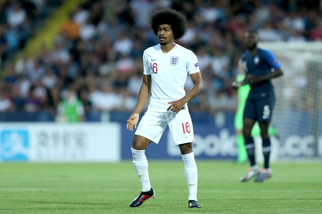 Red card! Hamza Choudhury is sent off for England and France have a penalty. Follow the match live 👉https://bbc.in/2Iqx1mB