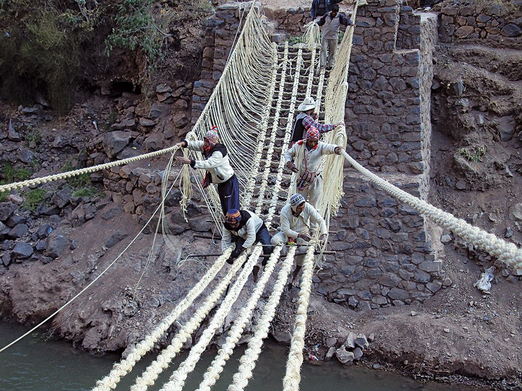 """Teen Kids News on Twitter: """"The Q'eswachaka, meaning to braid (Q'eswa) and  bridge (chaka), has been re-built every year in June since the time of the  Inca. The entire bridge is built"""