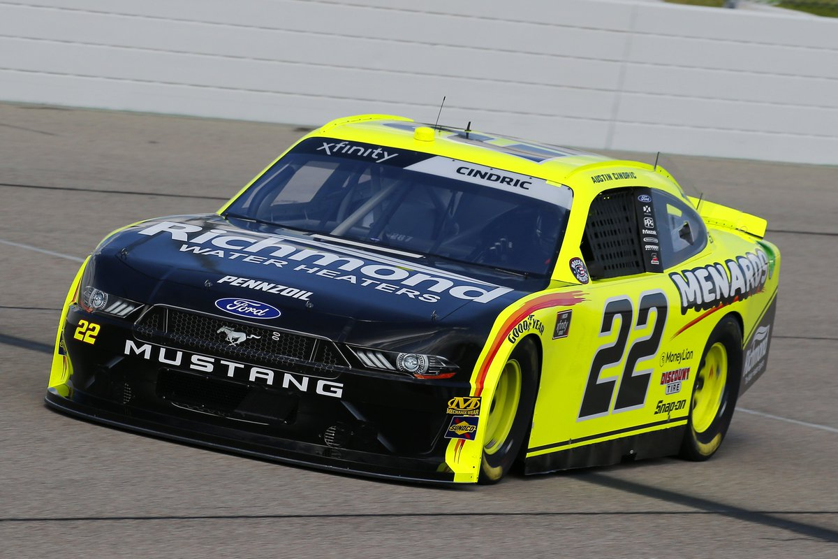 Another fun weekend of @NASCAR_Xfinity racing in the 📚 with @AustinCindric at @iowaspeedway. 🌽😁 📸: bit.ly/2PmeSKN #NASCAR | @MenardsRacing