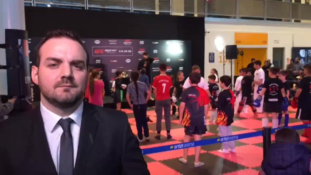 ¡ENTRENAMIENTO ABIERTO DE #UFCUruguay!  #UFCxFOX | Minotauro Nogueira y Vicente Luque comparten un gran momento con niños de la escuela de Kickboxing Uruguay. @UFCEspanol @EmilianoCandido