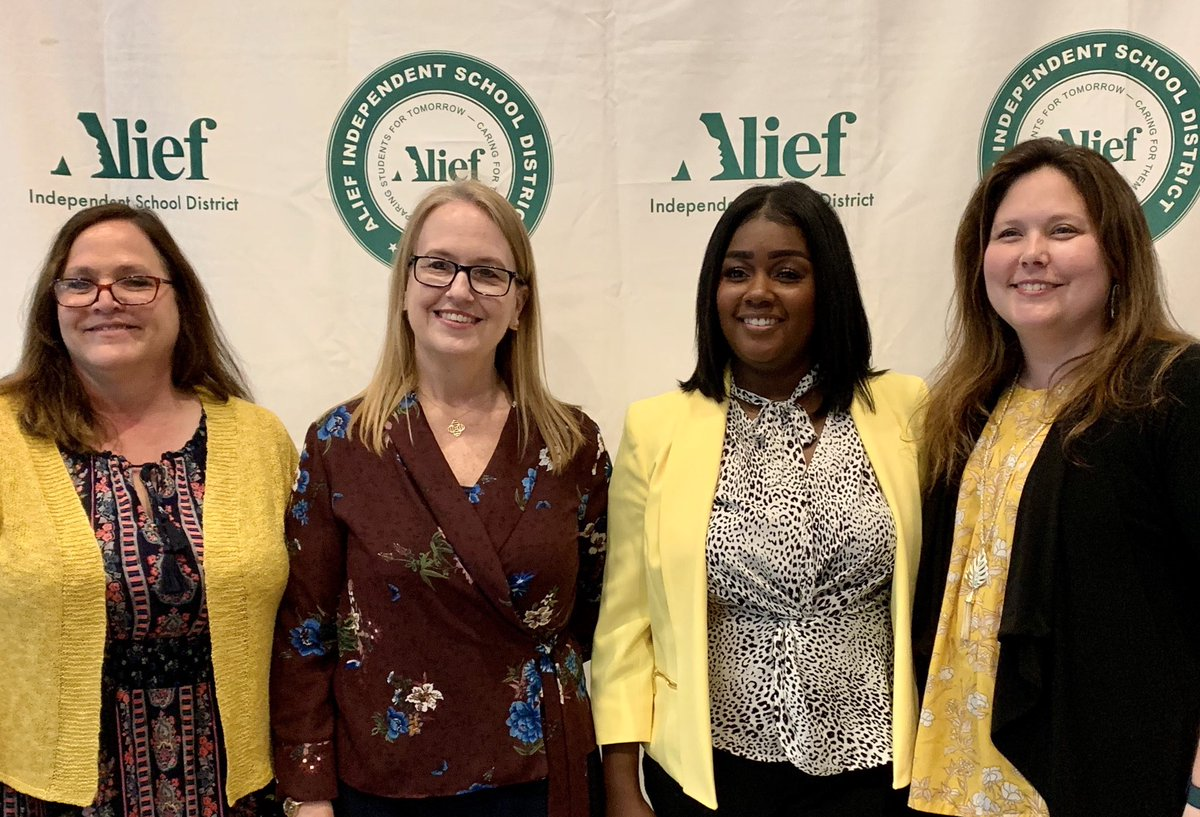 Proud to be a part of my @ChancellorComet family for 13 years, and proud of @MsArchie_4th who will be the new AP for Chancellor! A big thank you to @LisaSaarie for being my leader and mentor! #leadlearners #BeTheDifference #changemakers #aliefmission #AliefProud #edleaders <br>http://pic.twitter.com/C5RrI5hFMa