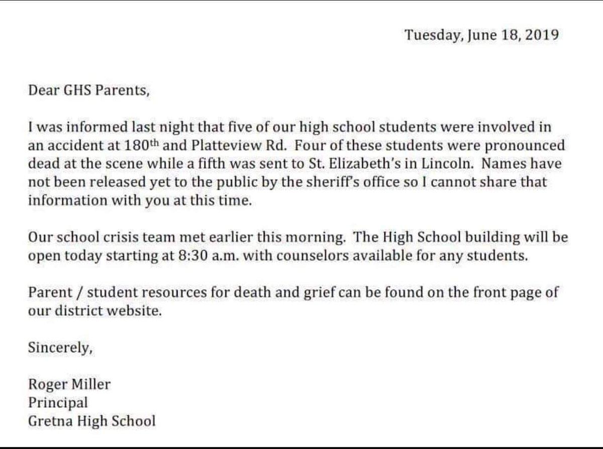 Nebraska : Four Gretna High School Students Killed in Fatal Accident