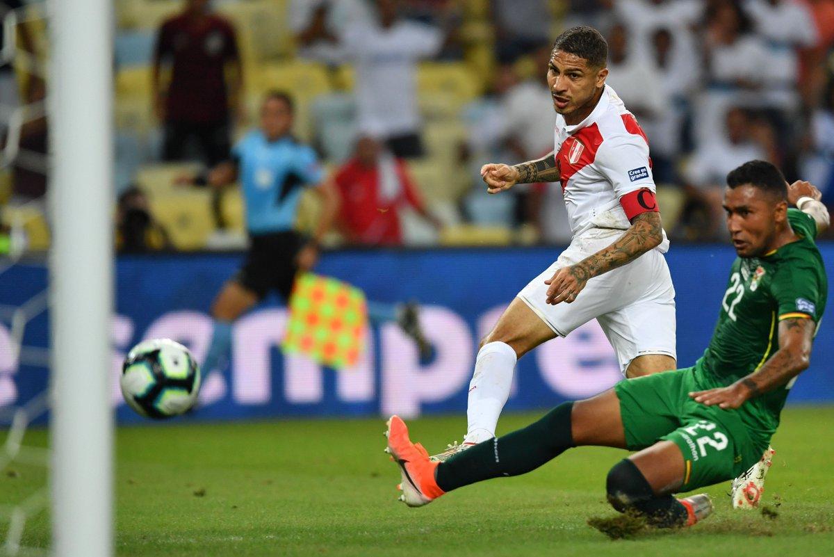 КА. Экс-форвард Шахтера наказал за ошибку игрока Динамо, но сборная Перу все равно выиграла у Боливии - изображение 2