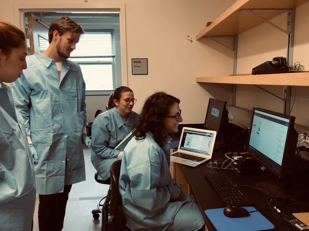 #DNAsequencing #ngs #genomics @MBLBoP: 'Team Minion of the mosquito module setting up a Next Generation Sequencing run to learn about the reciprocal relationships between mosquito genotype and environmental microbiota u… , see more http://tweetedtimes.com/v/9819?s=tnp
