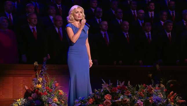 "Katherine Jenkins performs ""The Prayer"" » https://t.co/ekI5HEgEpC @KathJenkins https://t.co/inUeu6dQ0L"