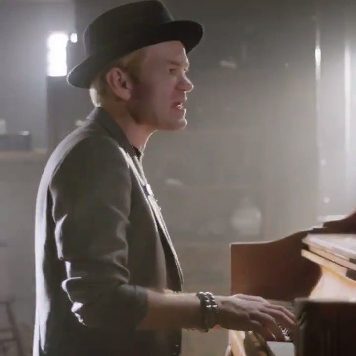 Never There is the emotional new track from @Sum41. Press play now ▶️https://spoti.fi/31FMiY7