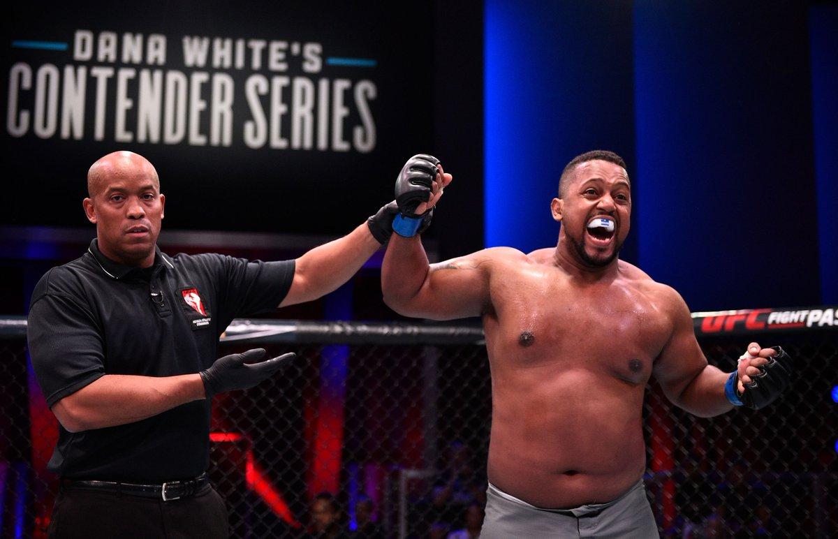 Dana White's Contender Series: Season 3, Week 1 results: Yorgan De Castro, Punahele Soriano earn UFC contracts (@AlexanderKLee) https://www.mmafighting.com/2019/6/18/18684449/dana-whites-contender-series-season-3-week-1-results-yorgan-de-castro-punahele-soriano-ufc-contracts?utm_campaign=mmafighting&utm_content=chorus&utm_medium=social&utm_source=twitter…
