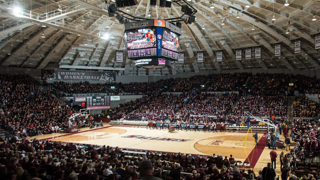 Excited to receive an offer from Southern Illinois University! Thank you @Bryan_Mullins_ for the visit!<br>http://pic.twitter.com/CspICSWYCR