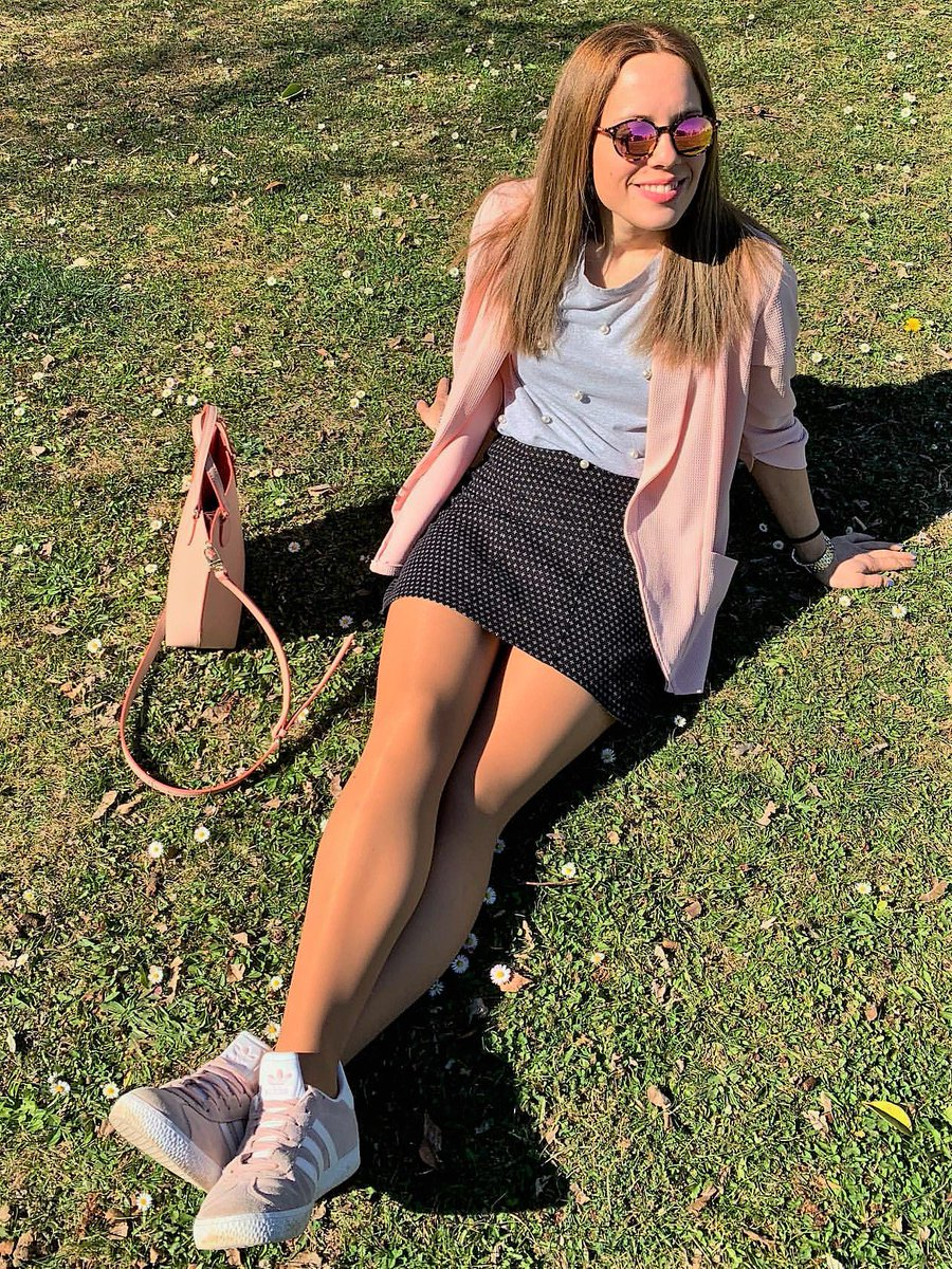 Beauty Style Fashion On Twitter Maitane Sexy Mix Of Tights And Sneakers Lovely Girl Perfect Legs Amateurs Celebrities Fashion Nylons Pantyhose Stockings Feet Legs Highheels Selfie Realgirls Style Beauty Moda Https T Co Zoizgrukdt