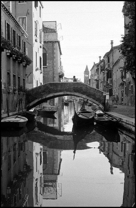 "Iveser Venezia on Twitter: ""Rio de San Barnaba, 1955 [Inge Morath]… """