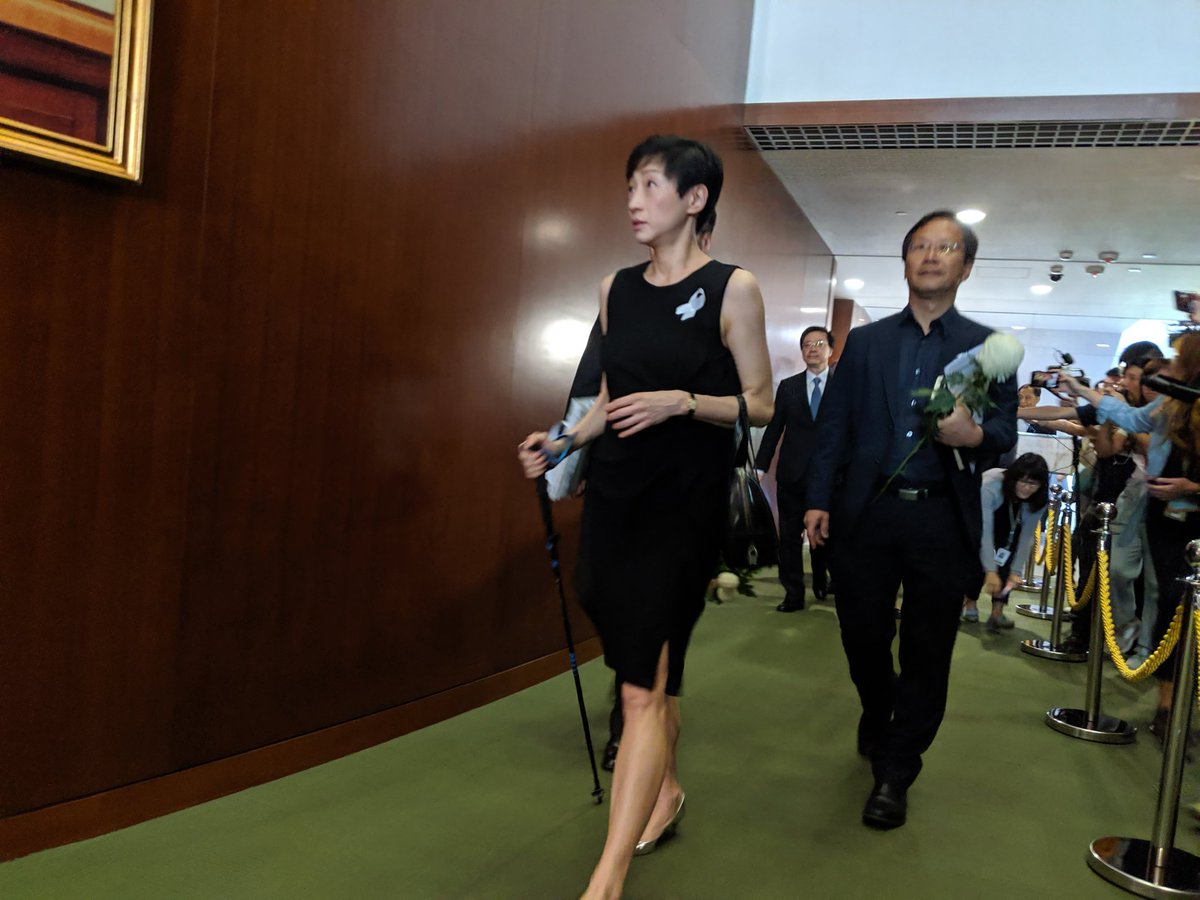 Civic Party lawmaker Tanya Chan returns to her first legco meeting with a walking-stick, after undergoing a brain surgery to remove a tumor #pandems #legco #civicparty