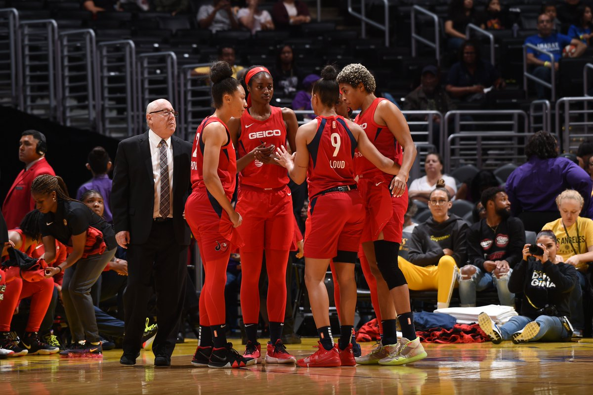 HALFTIME: @WashMystics 48- @LA_Sparks 27   Atkins (12 PTS), Walker-Kimbrough (11 PTS), Delle Donne (9 PTS, 11 REB) for @WashMystics   📺: @CBSSportsNet