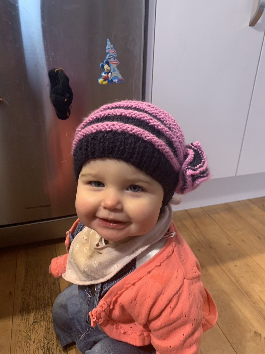 Get you a neighbour who not only brings your bins in for ya but makes hats for your baby and dessert for your family! #christchurch <br>http://pic.twitter.com/6yKr9oknl7