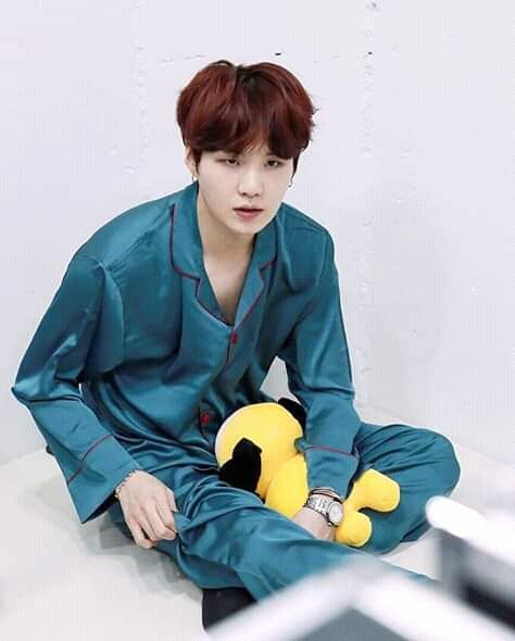 """Chimmy omg?!  . Ok Google : """"How to become Chimmy?""""  . #RUNBTSep76  #BehindTheScenes  @BTS_twt<br>http://pic.twitter.com/obzNfRxAqJ"""