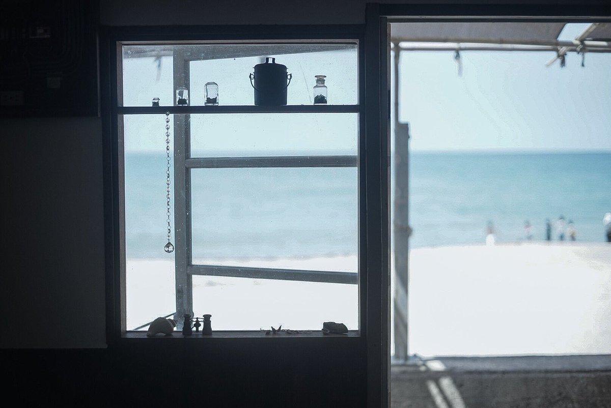 島根県ににある、海が見えるカフェ .