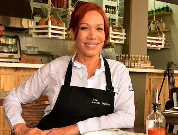 Entender a Leonor Espinosa y su cocina es algo que NO tienen claro los medios de comunicación.  Armar sabores es tal vez uno de los retos más grandes de la cocina. Armar sensaciones, experiencia en el paladar, armar historia en pequeños bocados.    (sigue hilo 👇)