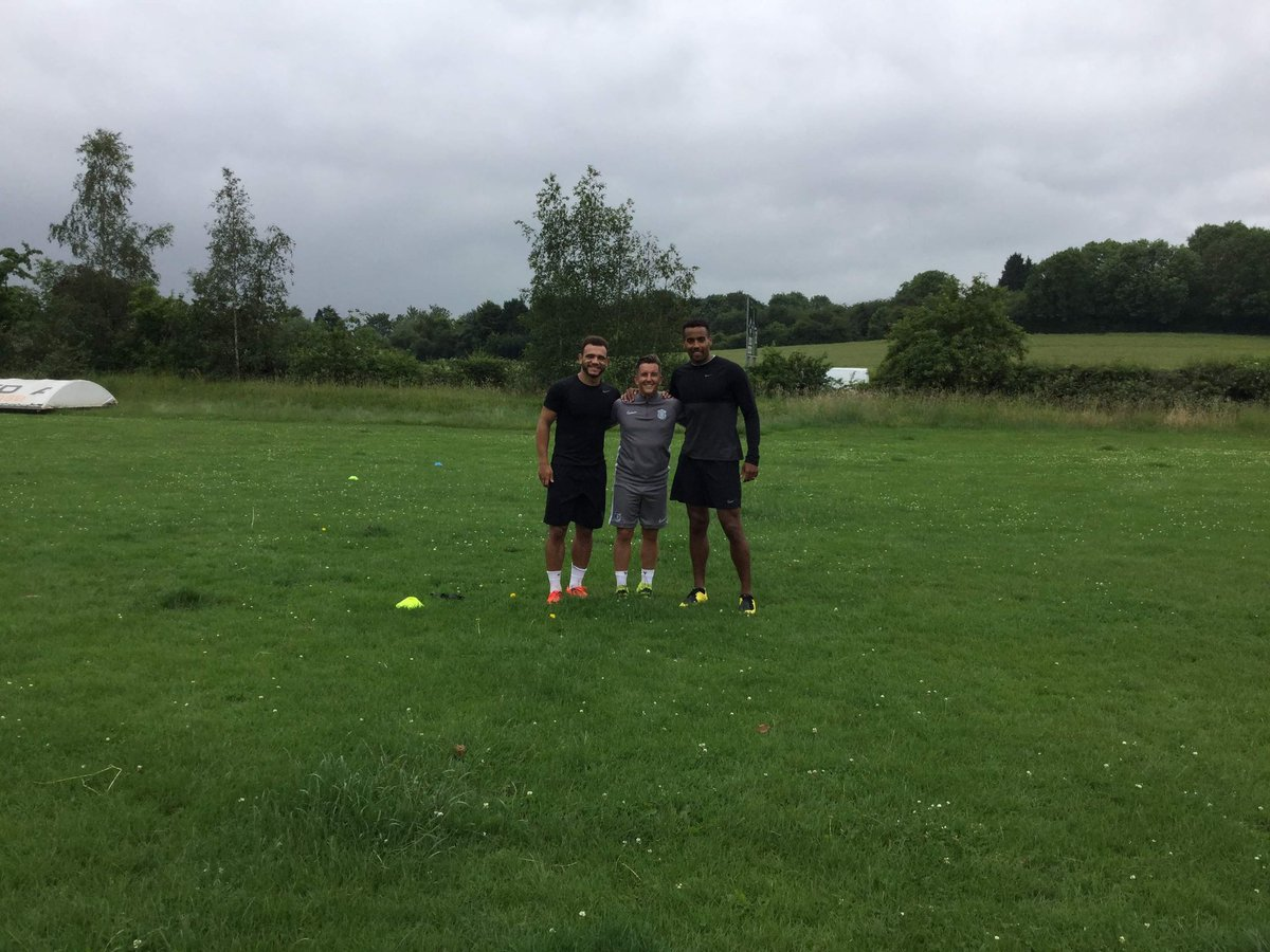 Good session with @dcfcofficial players @Huddz8 @Masonbennett20 today getting them ready and sharp for pre season ⚽️🔥🎬🎬🙏