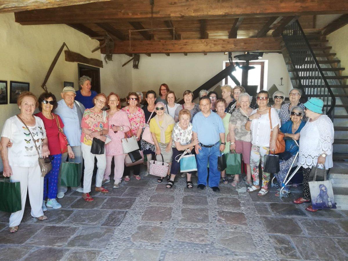 test Twitter Media - 😀¡Mira qué bien se lo pasaron las personas de los servicios de #Teleasitencia de Torremolinos (Málaga), gestionado por @ILUNION, en la excursión al 'Molino del hortelano', un lagar de vino del siglo XVIII! #AESTEasociados  https://t.co/QTmT9MZx3G https://t.co/FCIssygyJq