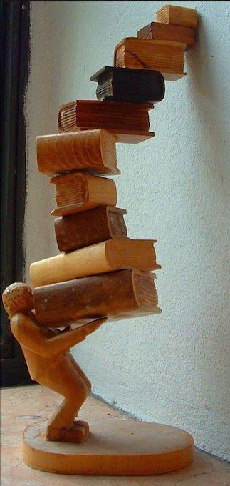 ed_Edilivre: #CréationLivresque — Quels noms donneriez-vous à cette magnifique sculpture en bois ?