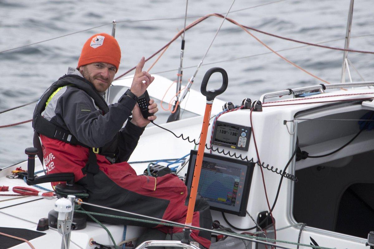 [@LaSolitaire_50e] 🚨FLASH ARRIVÉE 🚨 9H29 : Anthony Marchand vient de terminer la 3e étape de la Solitaire à la 1️⃣ère place 👏🏼🍾 ⏱Après 2j 19h 18min 36sec passés sur le parcours Baie de Morlaix - Baie de Morlaix. #GoAntho 📸 Alexis Courcoux