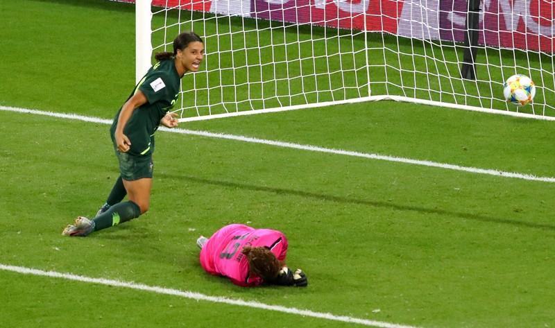 Australia goes Kerr-azy after four-goal blitz at World Cup https://reut.rs/2WOcbGq