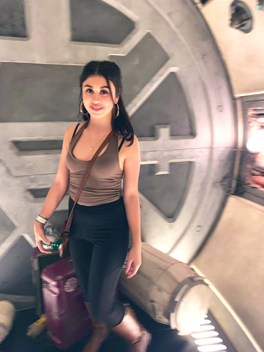 I never want to leave  #batuu #StarWarsGalaxysEdge <br>http://pic.twitter.com/lqPYdlHKQG – à Millennium Falcon: Smugglers Run