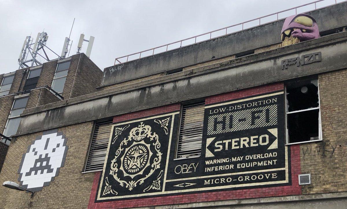 @GroupeGambetta  #StreetArt @FlashInvader1 #London #EastEnd #TeamBuilding @shepardfairy #Ronzo