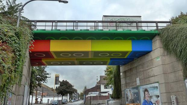 #Lego #Bridge: #German #Artist Makes Blockbuster #StreetArt from #Wuppertal Bridge https://www.nzherald.co.nz/travel/news/article.cfm?c_id=7&objectid=12241896… via @nzherald