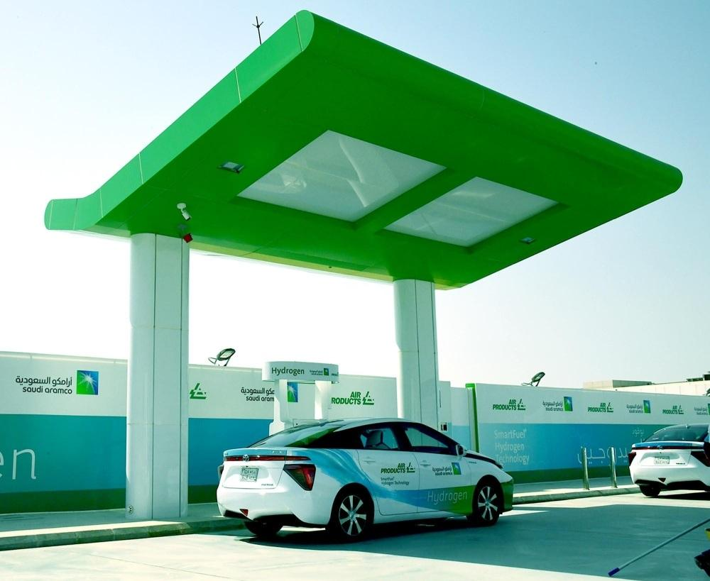 The first hydrogen car refuelling station has opened for commercial operations in Saudi Arabia.  #KSA #MiddleEast   Read more: http://bit.ly/2MYJuC7