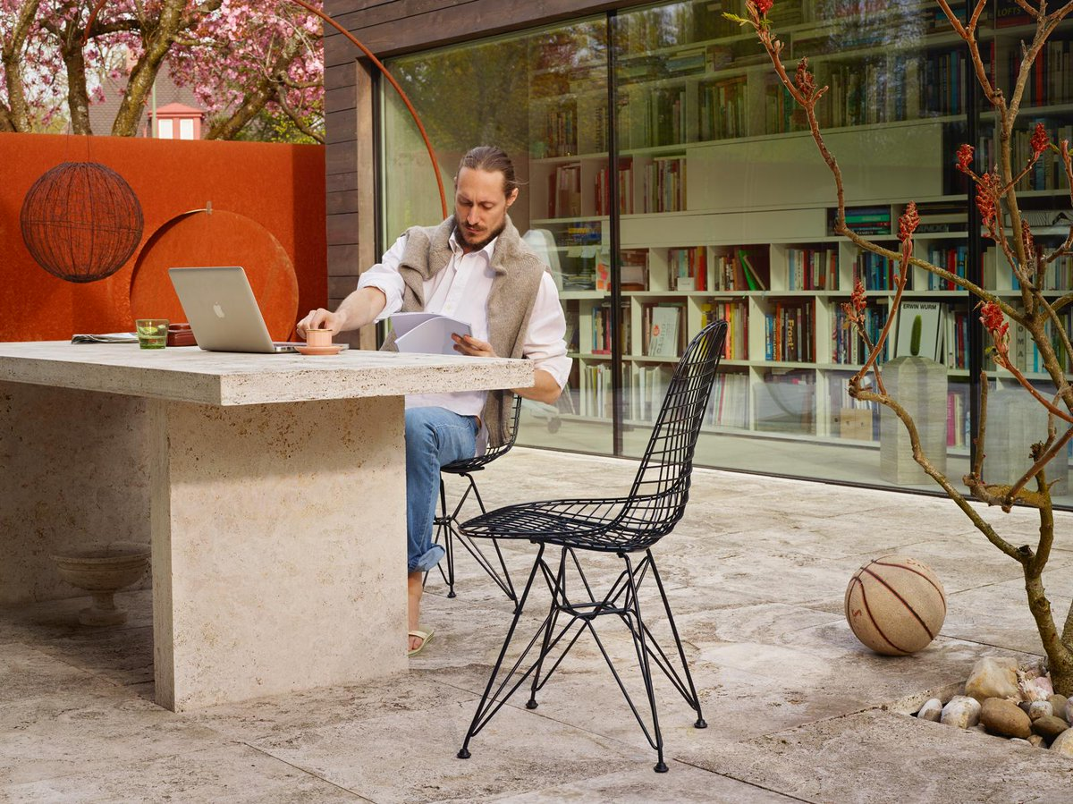 test Twitter Media - Un entorno adecuado mejora la productividad de tus empleados. #furniture #furnituredesign #mobiliario #vitra #novedades #wirechair https://t.co/RObrYQWcBl
