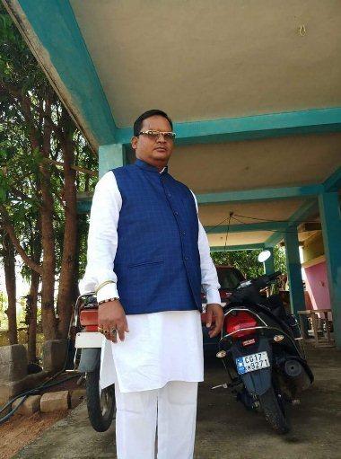 छत्तीसगढ़: नक्सलियों ने सपा नेता का अपहरण कर की हत्या, बीच सड़क पर फेंकाशव https://www.newslab24.in/rajy/chhattisgarh-maoists-kidnapped-sp-leader-thrown-dead-body-on-road/…