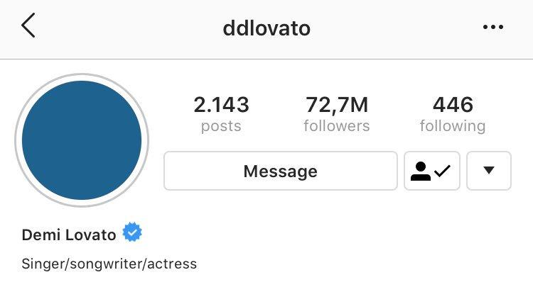 """Demi Lovato alterou sua bio do Instagram de """"Singer, Songwriter, Actress, Entrepreneur, Philanthropist """" para """"Singer/songwriter/actress"""" <br>http://pic.twitter.com/FCZ4wSk52U"""