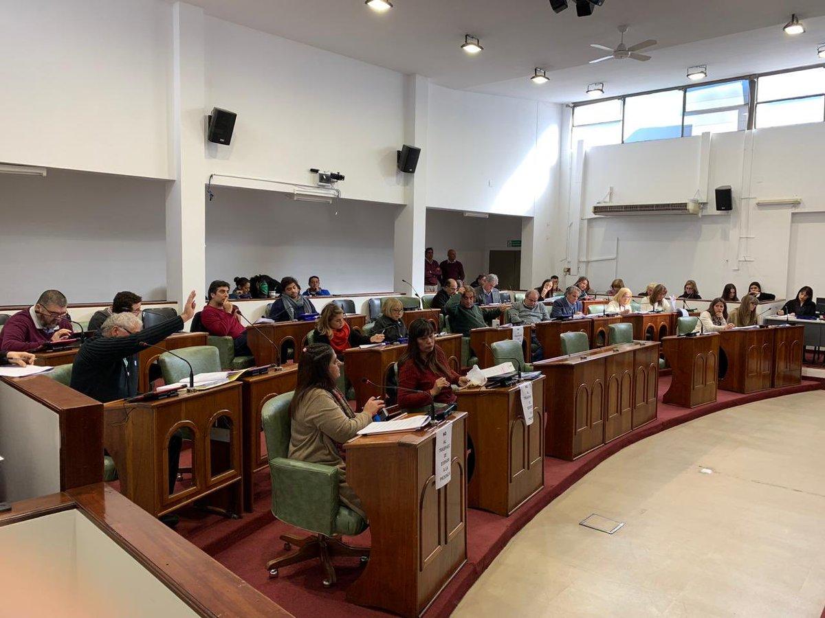 👉🏼 Podes seguir la 10° Reunión - 6° Sesión Ordinaria: http://bit.ly/2WUpTTz Enterate de los temas a tratar hoy  👉🏻http://bit.ly/2MZrs2N 👉🏻http://bit.ly/2ZwnOyH 👉🏻http://bit.ly/2Xkoslv #sanisidro @HCDSanIsidro