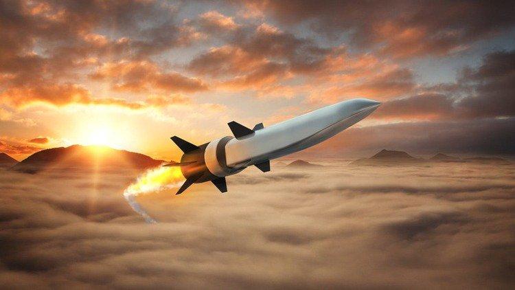 شركتي Raytheon و Northrop Grumman يطوران منظومات صاروخية تكتيكية تعمل بالطاقة. D9bBNmcWkAED79R