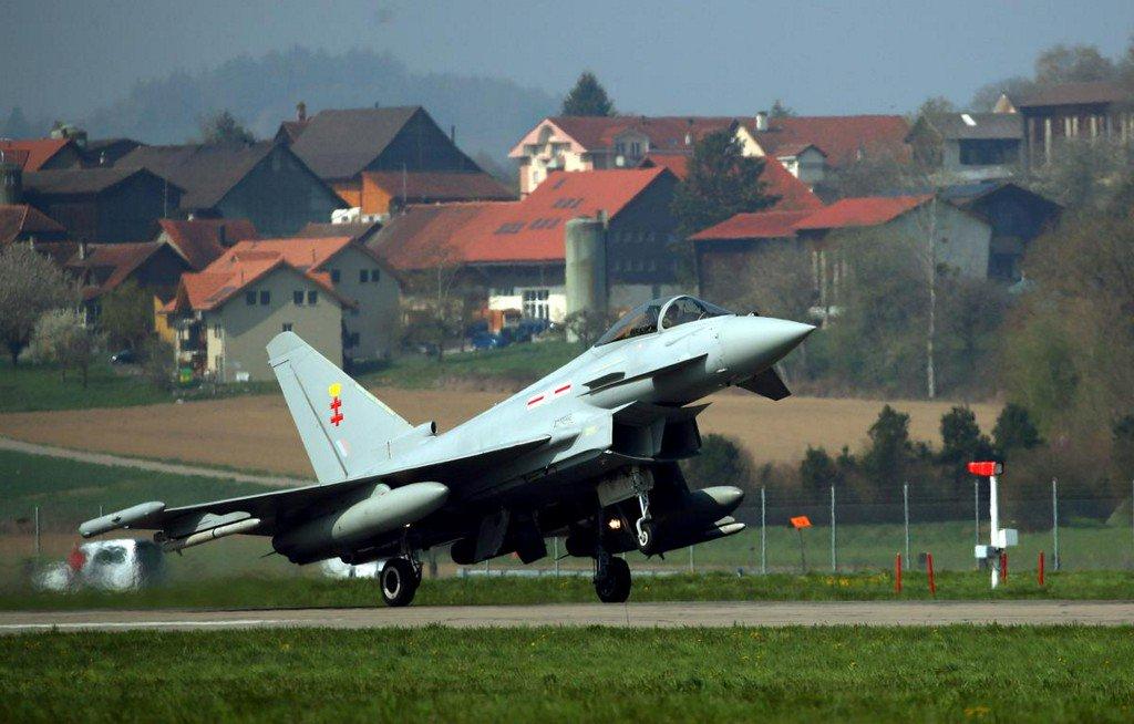 Eurofighter, NATO launch studies on long-term evolution of fighter http://www.reuters.com/article/us-france-airshow-eurofighter-idUSKCN1TK182?utm_campaign=trueAnthem%3A+Trending+Content&utm_content=5d0a2077b1a3150001dd93ec&utm_medium=trueAnthem&utm_source=twitter…