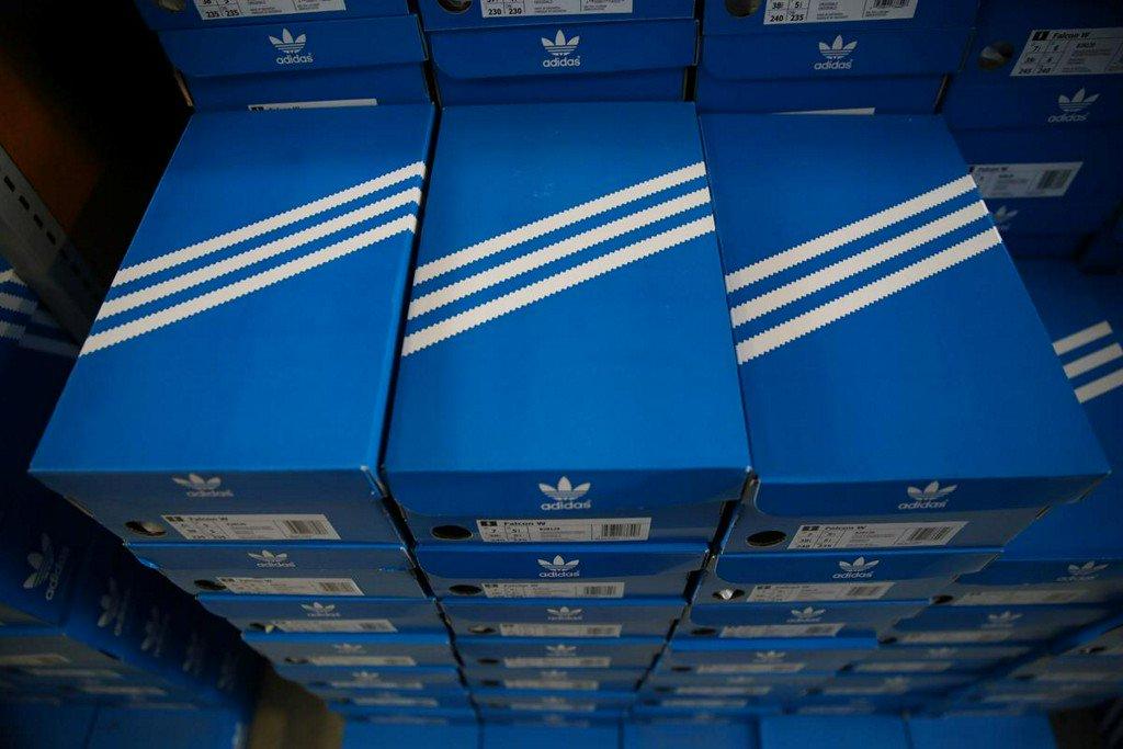 Adidas three-stripe trademark ruled invalid by EU court http://www.reuters.com/article/us-eu-court-adidas-idUSKCN1TK0P7?utm_campaign=trueAnthem%3A+Trending+Content&utm_content=5d0a276ae84fc20001cefd91&utm_medium=trueAnthem&utm_source=twitter…