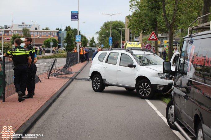 Man zwaar gewond na ernstig ongeval Middel Broekweg https://t.co/vMcxGMVAue https://t.co/OLWehWHcDG
