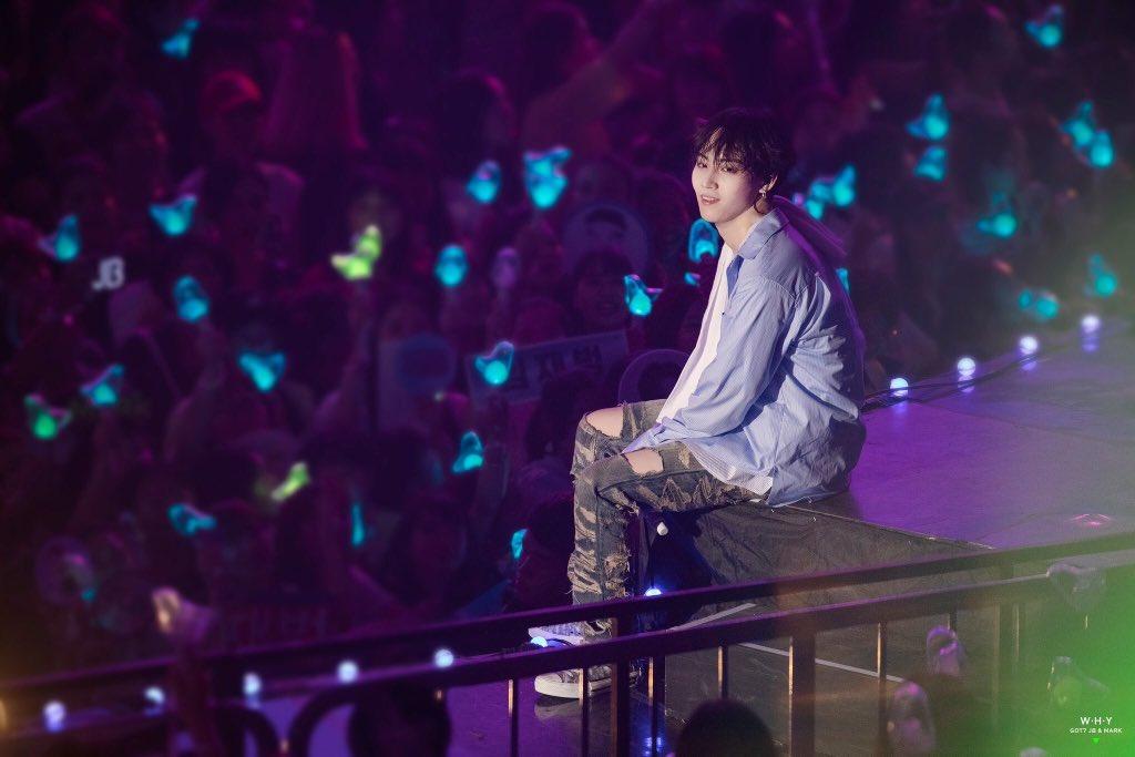 Jaebeom looking at his ahgases   #GOT7 #갓세븐 <br>http://pic.twitter.com/5yVZuHBJjI