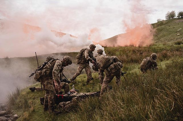 Using a smoke screen and covering fire Gunners prepare to extract casualties. RAF Regiment team medics will care for casualties under fire and ensure they reach the highest levels of medical care within an hour of wounding.  http://ow.ly/o2yM50uHNY9  #noordinaryjob #rafregiment