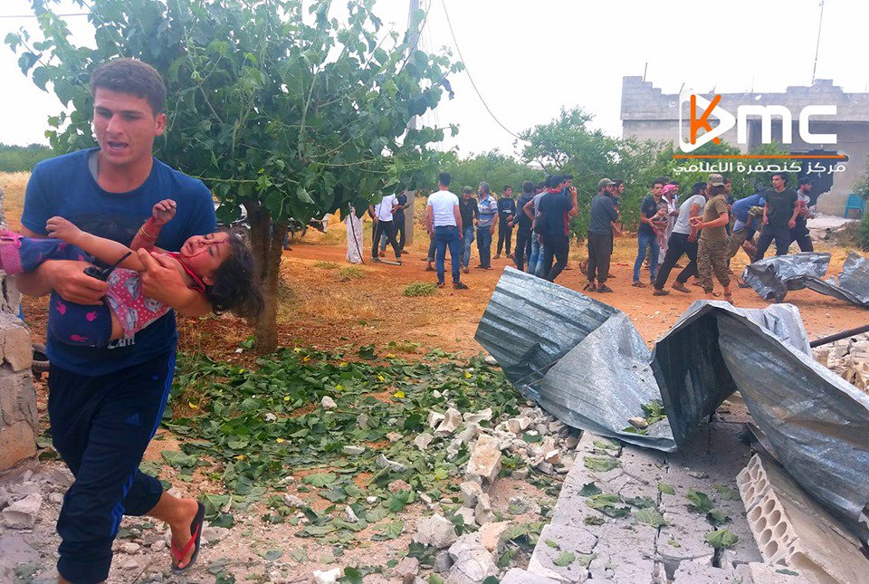 Women killed as Assad warplanes bomb #Idlib's Kansafra More: http://o-t.tv/Bz7 #Syria #Orient