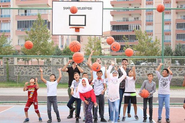 A good start for a better #future: in Turkey, we support #refugee children from #Syria to boost prospects. #WorldRefugeeDay #UNHCR @Refugees https://www.giz.de/en/mediacenter/76847.html…
