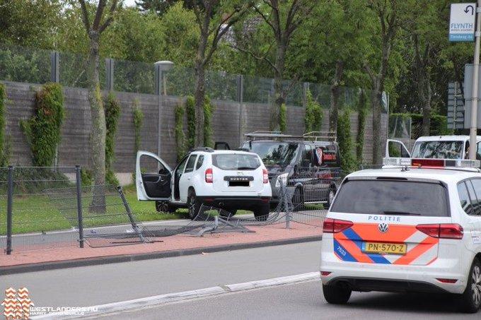 Politie zoekt getuigen ongeluk Middel Broekweg https://t.co/Xd7S5eNtK5 https://t.co/CJWA9ODI6Y