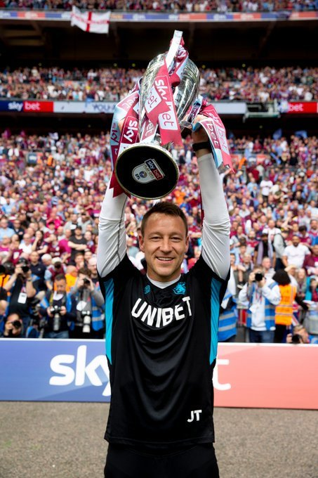 PREMIER LEAGUE #NEWS : RT AVFCOfficial: We're delighted to announce that Assistant Head Coach John Terry has extended his contract. ✍️  More 👉 http://bit.ly/2Rx16Ux  #AVFC  #PL #football #UK