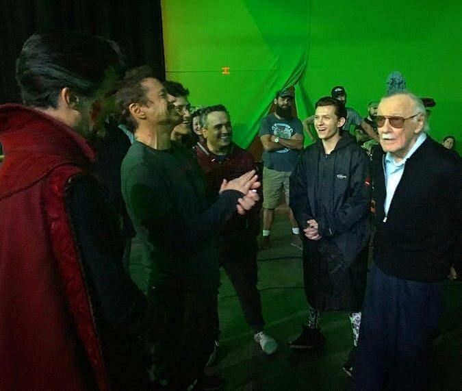 RT @looper: Throwback to when #StanLee visited the set of #Avengers: #InfinityWar! https://t.co/X9eURUqs2j